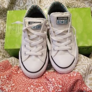 Kids Converse Tennis shoes